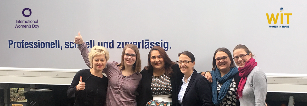 "Gruppe von sechs Frauen ""WIT Core Team Goes the extra mile for gender equality"""